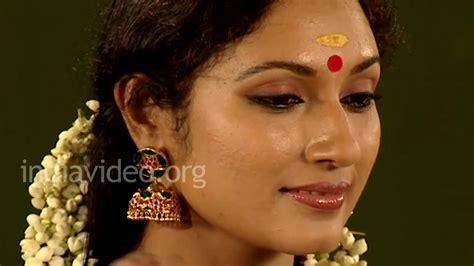 hair adornment  jasmine garland lifestyle kerala