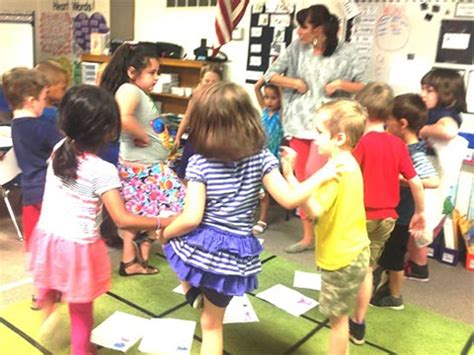 preschool dancing songs celebrate language and accelerate literacy nellie edge 959