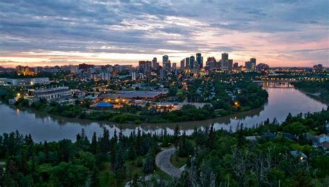 Edmonton Recommended As One Of The Best Summer Trips For Large Business Calendar Results Card 2019 Holder For Other People's Cards Design Program Calendars Vertical Quotation