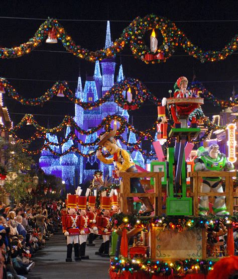 How Long Does Disney Leave Their Christmas Decorations Up