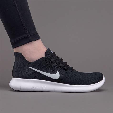 nike womens  rn flyknit  blackwhiteblack womens shoes