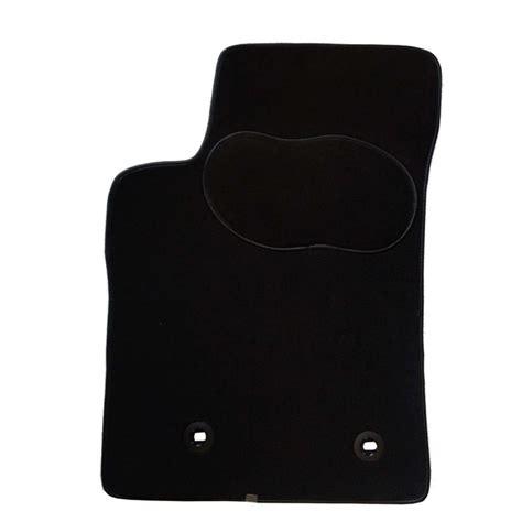 tapis de sol norauto 1 tapis voiture sur mesure noir en moquette norauto premium norauto fr