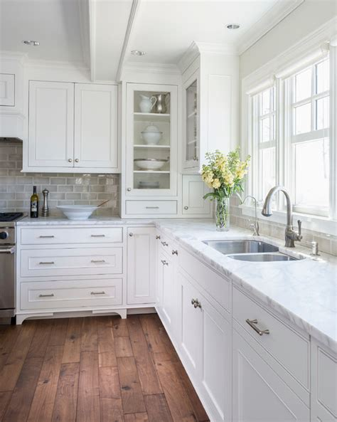 benjamin moore decorators white cabinets 2016 benjamin moore color of the year simply white 306 | traditional kitchen
