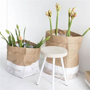 Sac En Papier Deco : sac de rangement en papier kraft bord blanc serax decoclico ~ Teatrodelosmanantiales.com Idées de Décoration