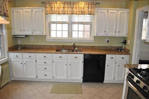 peinture armoire cuisine comment actualiser sa cuisine à peu de frais