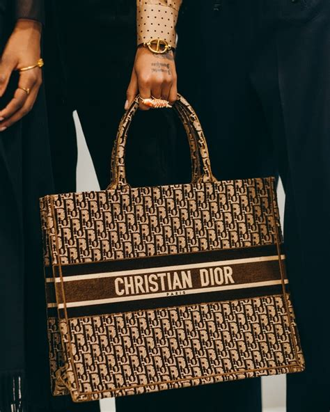 backstage   diors fall  runway bags purseblog