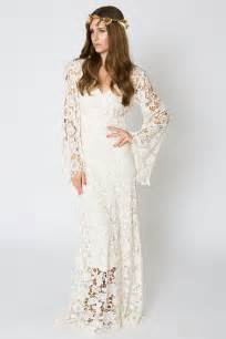 brautkleid hippie style vintage inspired bohemian wedding gown bell sleeve lace