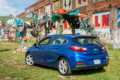 2017 Cruze Review by 2017 Chevrolet Cruze Hatchback Review Drive News