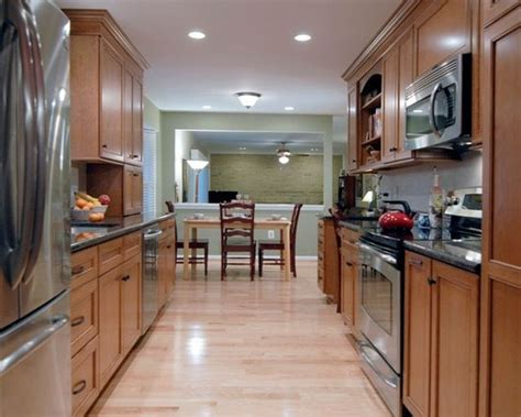 ideas for small galley kitchens 1000 images about galley kitchen ideas on 7421