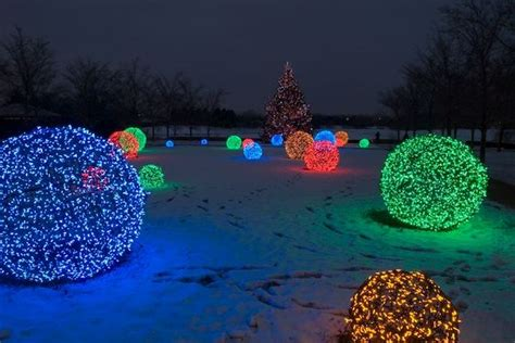chicken wire christmas lights lights etc how to make chicken wire balls with lights merry forums of my