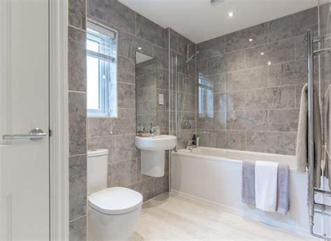 original bathroom tiles 4 bedroom oaklands 3 4 bedroom homes in sutton