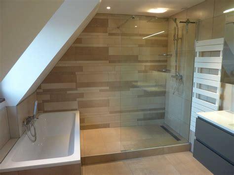 salle de bain sous pente salle de bain en sous pente collection et creation ou renovation salle de bain normale et en