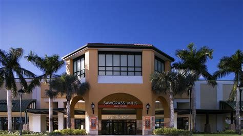 Vanity Fair Outlet Florida by Simon Property Buys Vf Outlet At Sawgrass Mills South