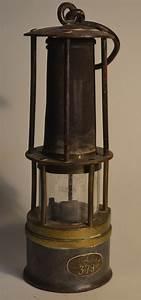 Lampe à Clipser : lampe de mineur wikip dia ~ Teatrodelosmanantiales.com Idées de Décoration