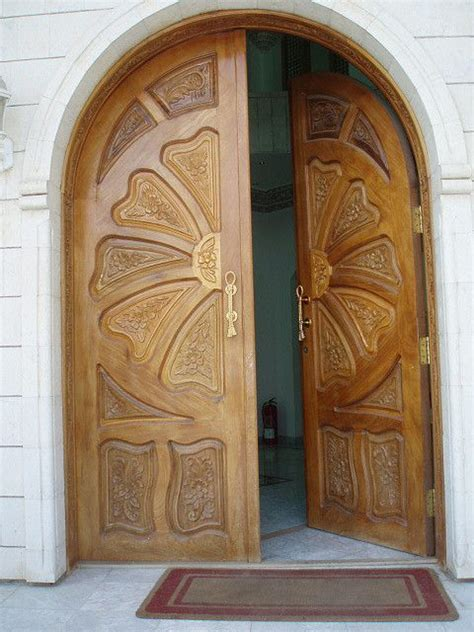 beautifully carved curved double door wouldnt   amazing    front   house