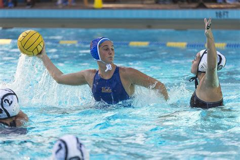 Womens Water Polo Sees Success By Maintaining Teams
