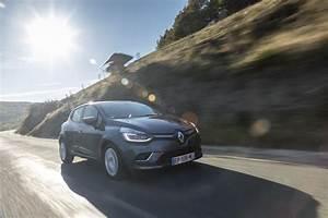 Gamme Renault 2018 : prix renault clio 2018 la gamme de la clio remani e pour l 39 t photo 1 l 39 argus ~ Medecine-chirurgie-esthetiques.com Avis de Voitures