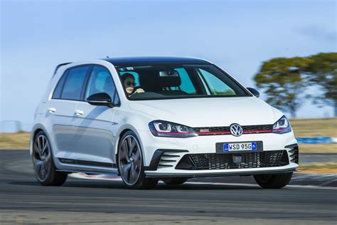 Volkswagen Golf Photo by 2016 Volkswagen Golf Gti 40 Years Review Photos Caradvice