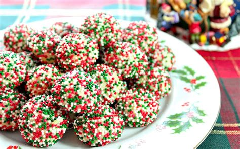 christmas cookies and recipes 25 of the most festive looking christmas cookies ever