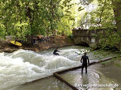 Englischer Garten Eisbach Surfen by Eisbach Surfen Muenchen Bayern My Country