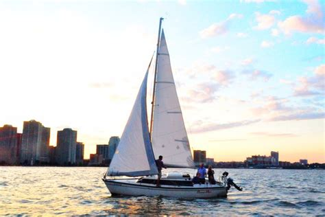 Sailing Boat Nyc by New York Boat And Yacht Rentals Sailo