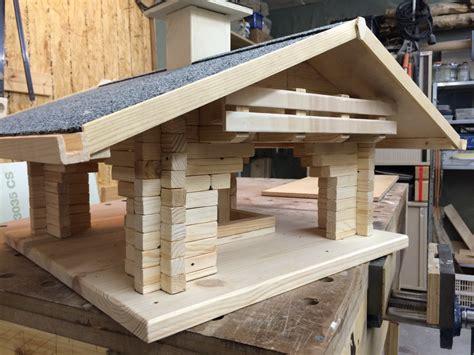 Vogelfutterhaus Selbst Bauen by Vogelhaus Quot Fly In Quot Bauanleitung Zum Selber Bauen