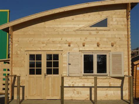 chalet de loisirs nantes 30m 178 mezzanine 15 m 178 en bois en kit avec mezzanine