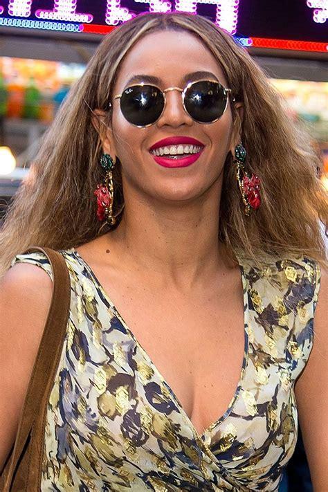 Beyonce Sunglasses   Beyonce, Wear lipstick, Celebrity ...