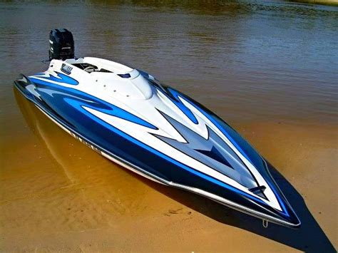 Fast V Hull Boats by 57 Best Allison Boats Images On Boats Bass