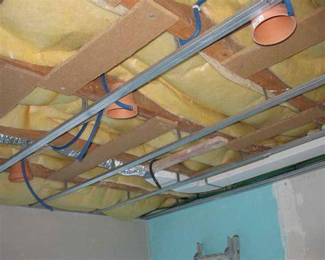 installer un spot au plafond comment poser spot encastrable la r 233 ponse est sur