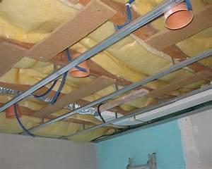 Spot Led Encastrable Plafond Faible Hauteur : spot plafond cuisine spots encastrs au plafond donne une ~ Edinachiropracticcenter.com Idées de Décoration
