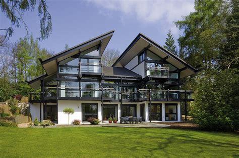Inside Antonio Banderas's £2.4million Surrey Home
