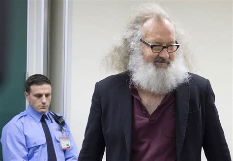 dennis quaid vermont actor randy quaid ordered held on 500 000 bail in vermont