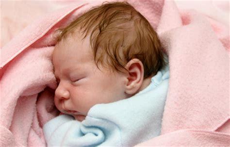 bebe bouge pas beaucoup s 233 quiper pour accueillir b 233 b 233 l indispensable et le superflu les trucs des filles
