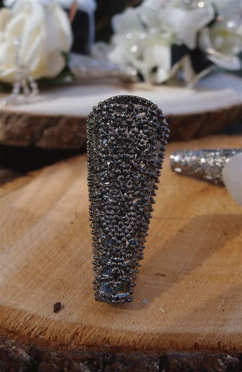 boutonniere holder pewter