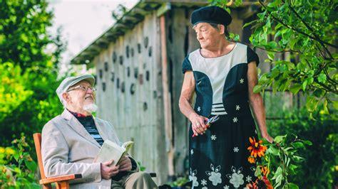 Dzejnieks Knuts Skujenieks un viņa Inta. Mīlestība, kas ...