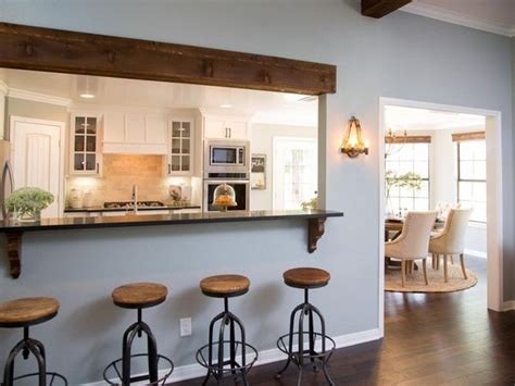 hgtv kitchen remodels sa amenajezi un bar intre bucatarie si living intr o