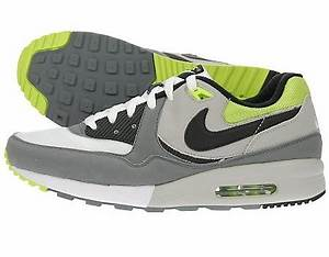 Nike Air Max Light neon