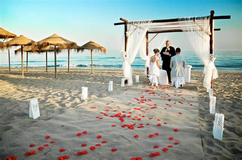 Beach Wedding : Beach Themes Wedding