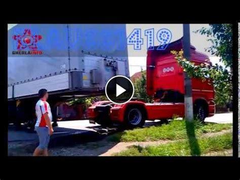 driver fails turn worst semi truck driver