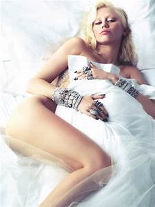 MissInfo.tv » Miley Cyrus Strips Down & Shows Off New ...