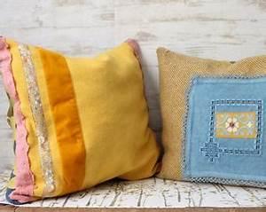 Coussin Boheme Chic : coussin jaune etsy ~ Melissatoandfro.com Idées de Décoration