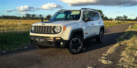 Review Jeep by 2016 Jeep Renegade Trailhawk Review Caradvice