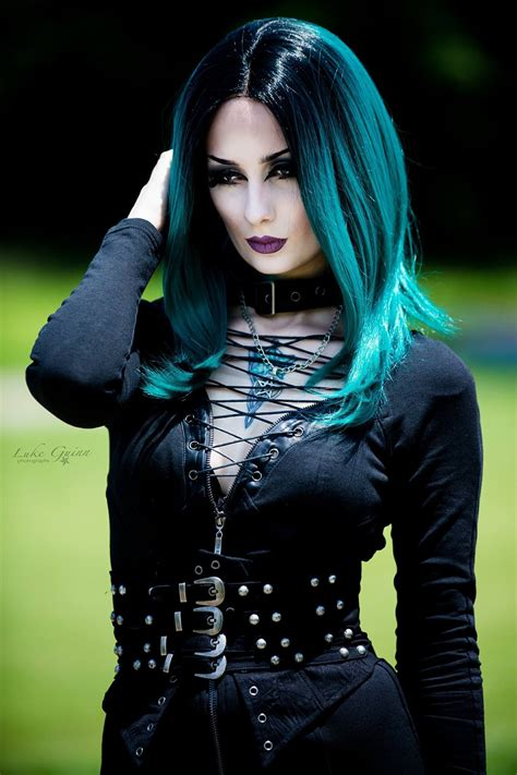 model theblackmetalbarbie goth goth girl goth fashion