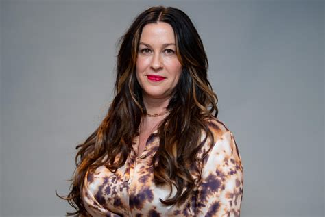 Alanis Morissette breastfeeds on magazine cover, opens up ...