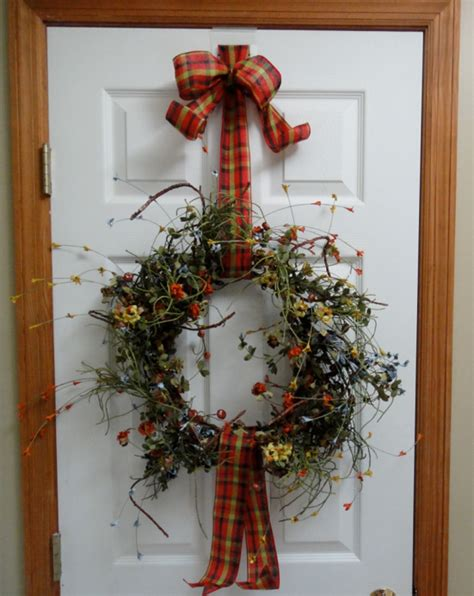 how to hang a wreath on a door wreathpro wreath hanger everything you wanted