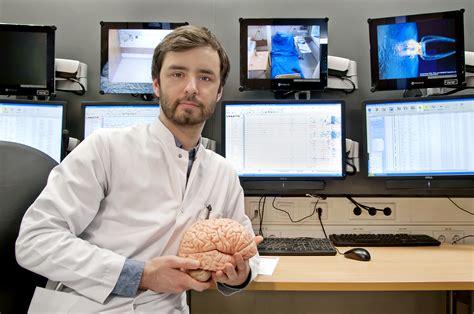 Forschung zur Entstehung und Diagnostik von Dissoziativen