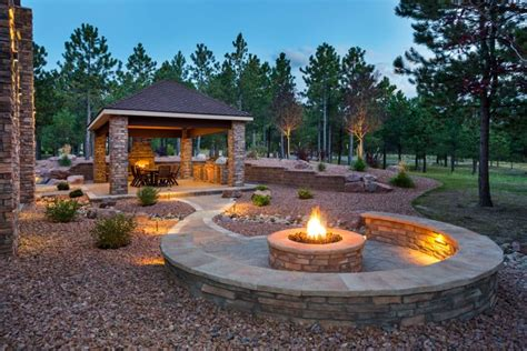 21 Great Outdoor Fire Pit Ideas For Your Backyard 2019