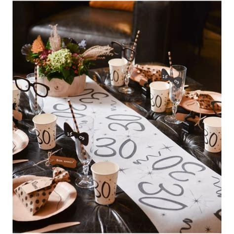 idee deco anniversaire 30 ans chemin de table anniversaire 30 ans intiss 233 d 233 co anniversaire 30 ans