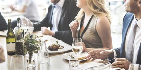 the fine dining guide basic restaurant etiquette one dining etiquette seminars and table manners toronto
